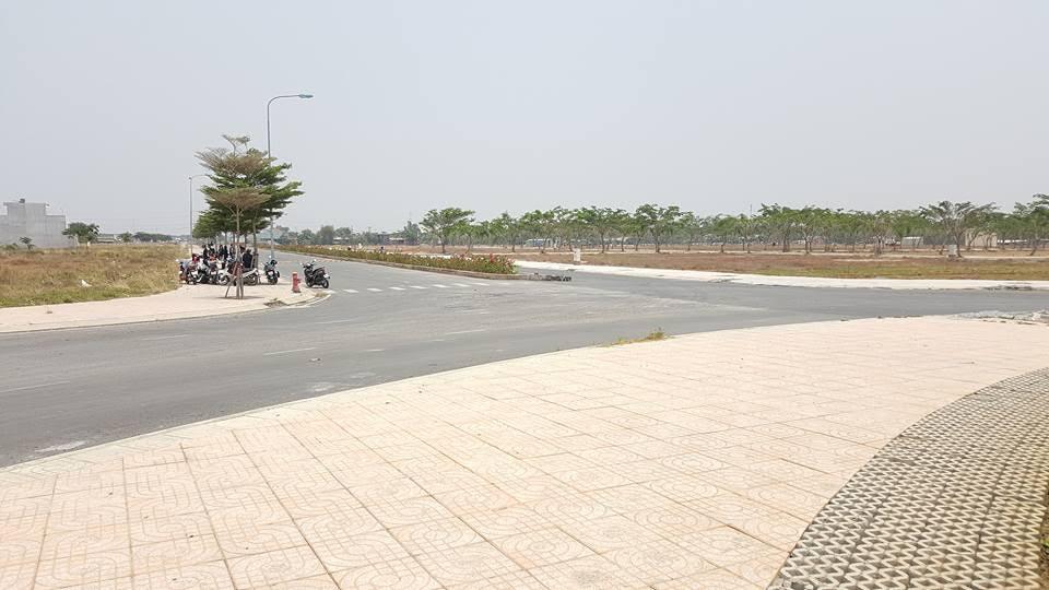 Đất nền chợ Đệm, đường Nguyễn Hữu Trí, Tân Túc Bình Chánh